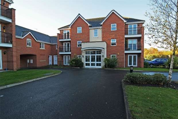 2 Bedrooms Flat for sale in Millfield, Neston, Cheshire