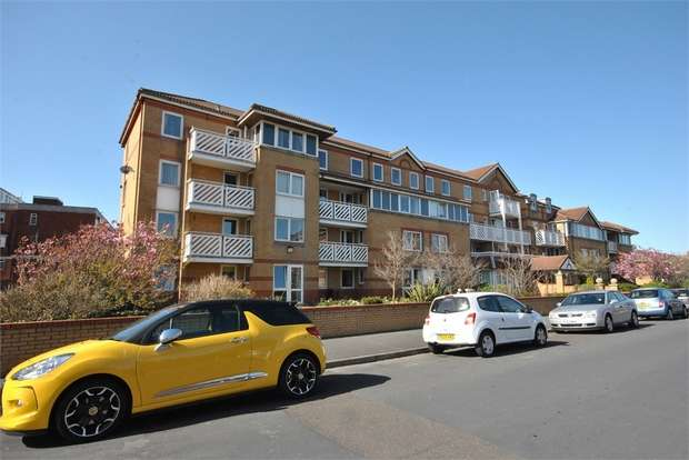 1 Bedroom Flat for sale in Flat 70, Poplar Court, Kings Road, LYTHAM ST ANNES, Lancashire
