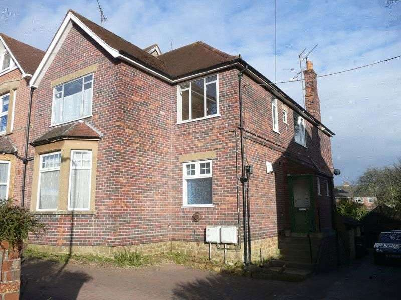 2 Bedrooms Flat for sale in Grove Avenue, Yeovil