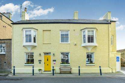 5 Bedrooms Detached House for sale in Beaumaris, Anglesey, LL58