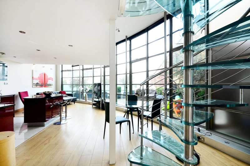 2 Bedrooms Flat for sale in Arlington Road, Camden, NW1