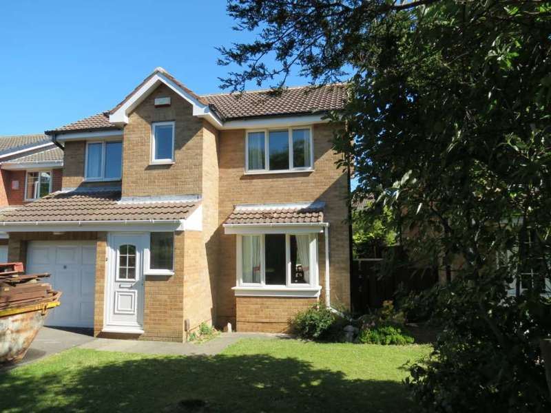 4 Bedrooms Detached House for sale in 8 Halifax Close, Marske