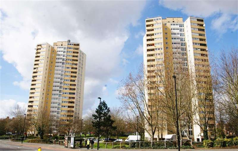3 Bedrooms Property for sale in Moreton Tower, Lexden Road, Acton