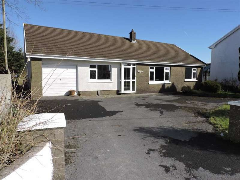 4 Bedrooms Property for sale in Llyn Y Fran Road, Llandysul