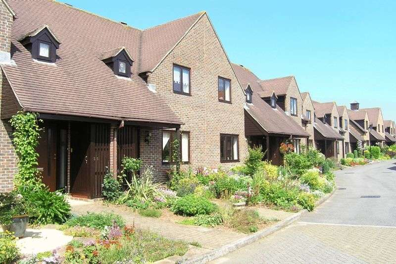 2 Bedrooms Retirement Property for sale in Courville Close, Aleveston Grange, Alveston, BS35 3RR