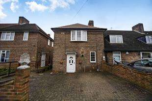 3 Bedrooms Semi Detached House for sale in Rangefield Road, Bromley, Kent