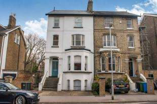 1 Bedroom Flat for sale in Canning Road, Croydon, .