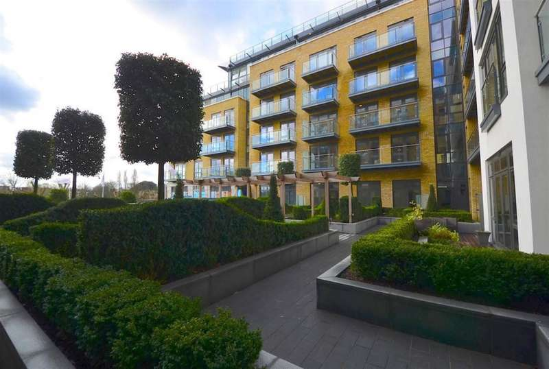 2 Bedrooms Flat for sale in Quayside House, Kew Bridge Road, Brentford, TW8