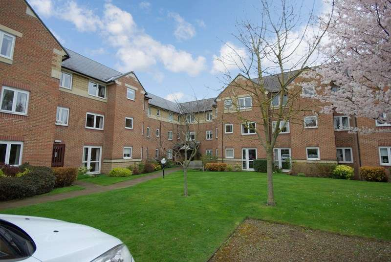 1 Bedroom Retirement Property for sale in Silvas Court, Morpeth, NE61 1HQ
