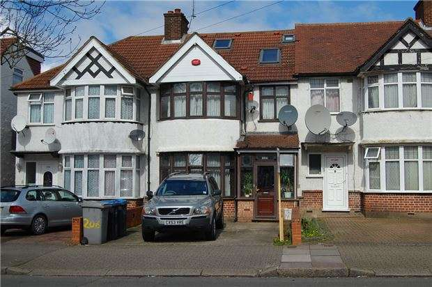 3 Bedrooms Terraced House for sale in Princes Avenue, KINGSBURY, NW9 9JG