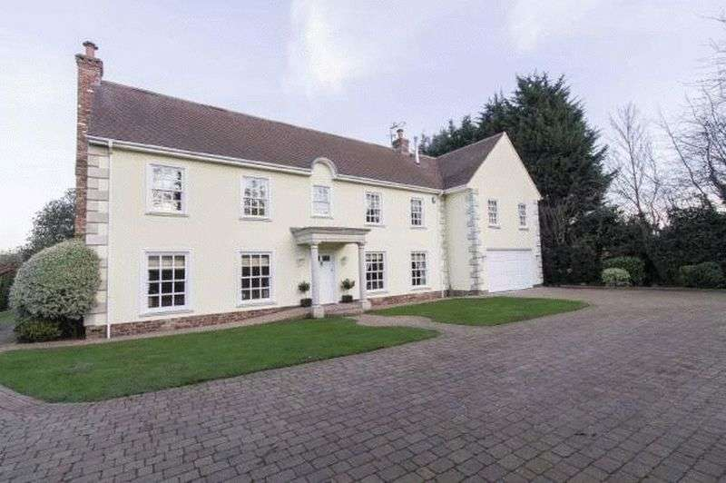 6 Bedrooms Detached House for sale in 6 Bedroom detached house for sale, The Paddocks, Chigwell, IG7