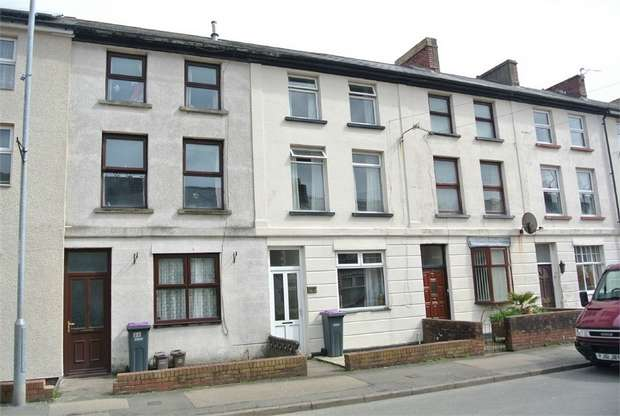 3 Bedrooms Terraced House for sale in The Highway, New Inn, Pontypool