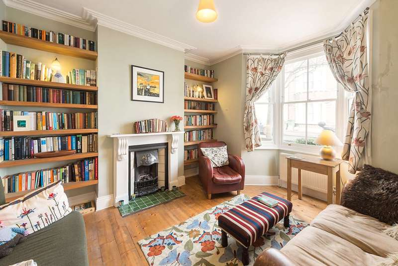 3 Bedrooms Terraced House for sale in Rowena Crescent, London, SW11