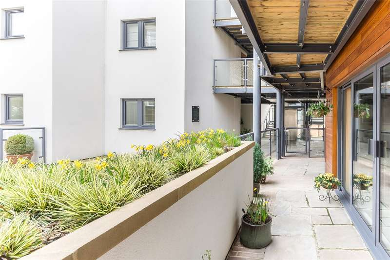 2 Bedrooms Flat for sale in The Old Gaol, Abingdon, Oxfordshire, OX14