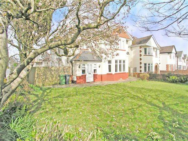 2 Bedrooms Maisonette Flat for sale in Llantrisant Road, Llandaff