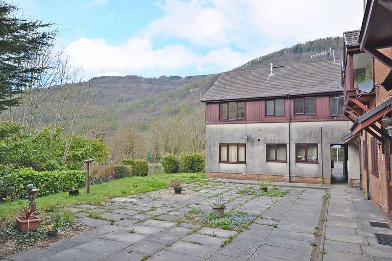 2 Bedrooms Flat for sale in The Mews, Twyncarn Road, Cwmcarn , Gwent. NP11 7EB