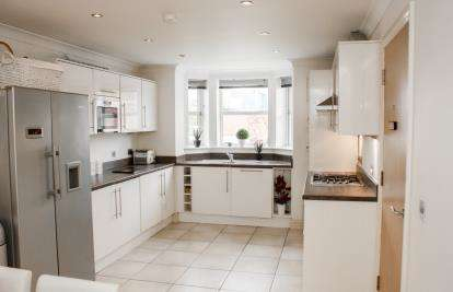 6 Bedrooms Link Detached House for sale in Westbridge Mews, Paddington, Warrington, Cheshire, WA1