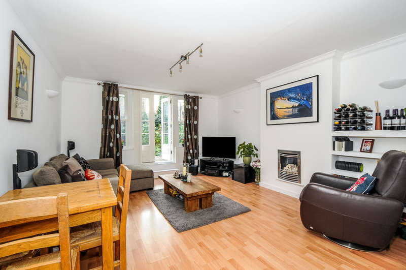 2 Bedrooms Ground Flat for sale in Highbury Hill, London