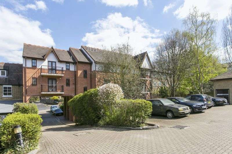2 Bedrooms Flat for sale in Maybury Mews, Stanhope Road, London, N6