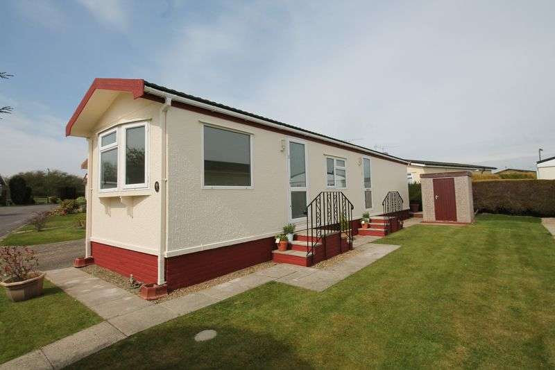 1 Bedroom Detached Bungalow for sale in Lower Kingswood