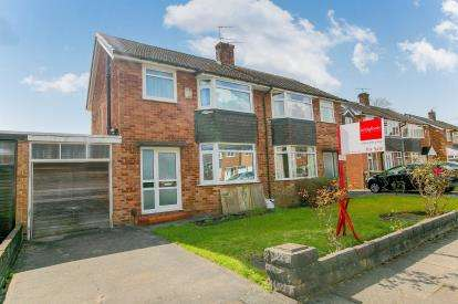 3 Bedrooms Semi Detached House for sale in Ravenoak Road, Woodsmoor, Stockport, Cheshire