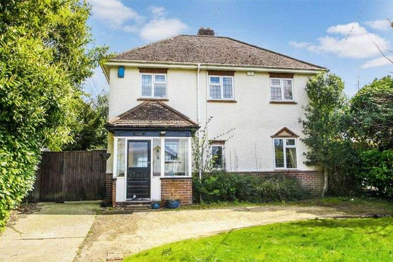 3 Bedrooms Detached House for sale in Totteridge Road, High Wycombe