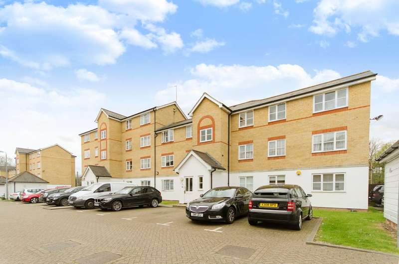 1 Bedroom Flat for sale in Clarence Close, New Barnet, EN4