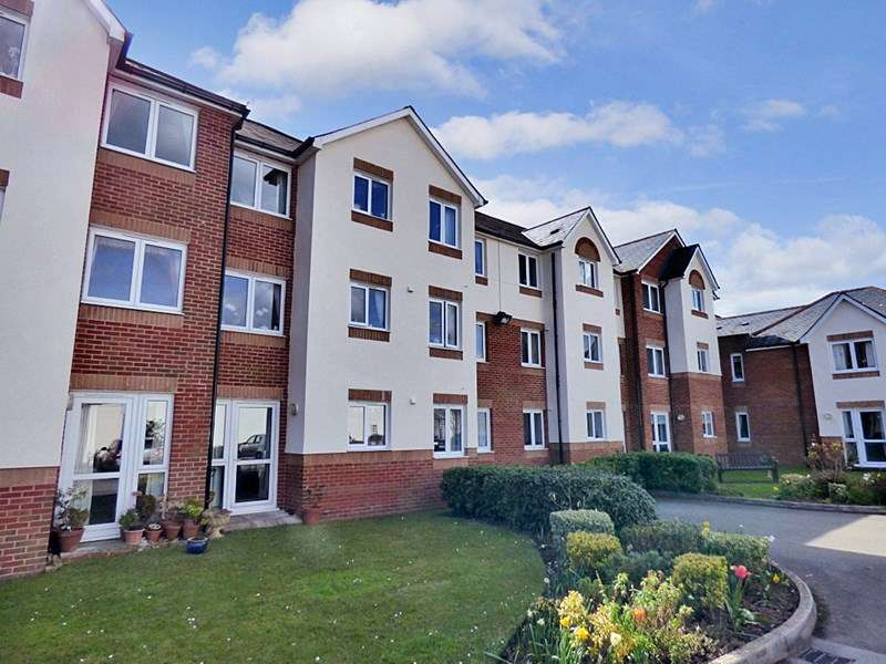 1 Bedroom Retirement Property for sale in D`Arcy Court, Newton Abbot, TQ12 2AP