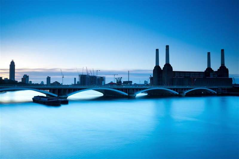 3 Bedrooms Property for sale in Boiler House Square, Battersea, London, SW8