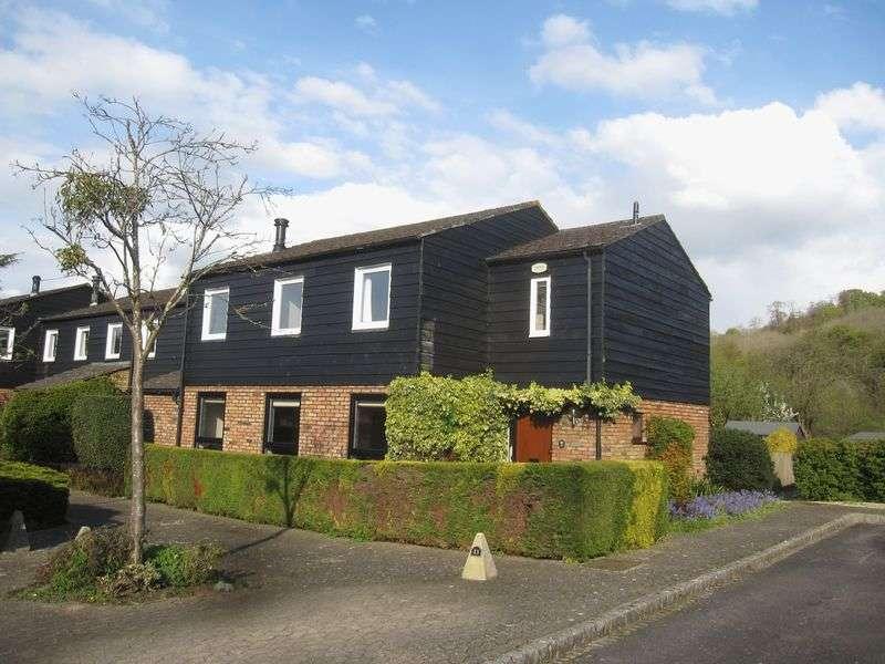 4 Bedrooms Property for sale in Bisham.
