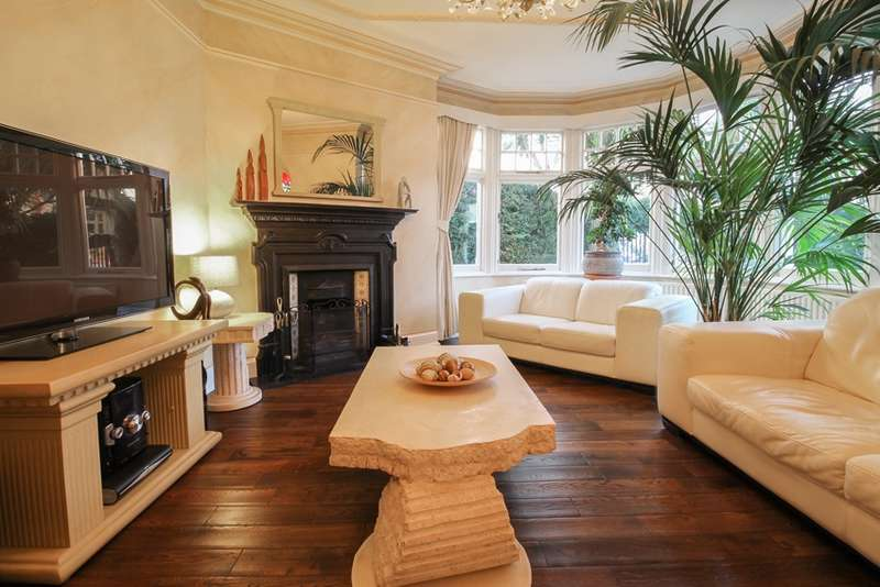 4 Bedrooms End Of Terrace House for sale in Lodge Drive, London, London, N13