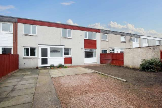 4 Bedrooms Terraced House for sale in Ettrick Way, Macedonia, Glenrothes, Fife, KY6 1JL