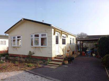 2 Bedrooms Bungalow for sale in Beechwood Park, Dawlish Warren, Devon