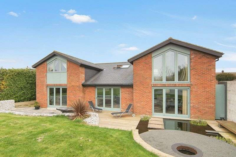 5 Bedrooms Detached House for sale in Hough on the Hill NG32