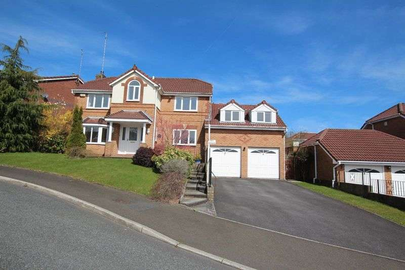 5 Bedrooms Property for sale in Bronte Close Norden Rochdale OL12 7PY