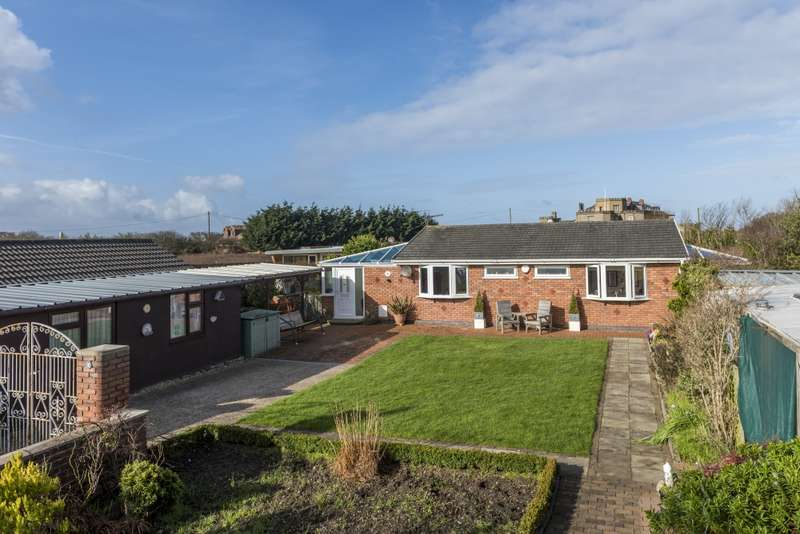 2 Bedrooms Bungalow for sale in Castlefield Estate, Wirral, Cheshire, CH46