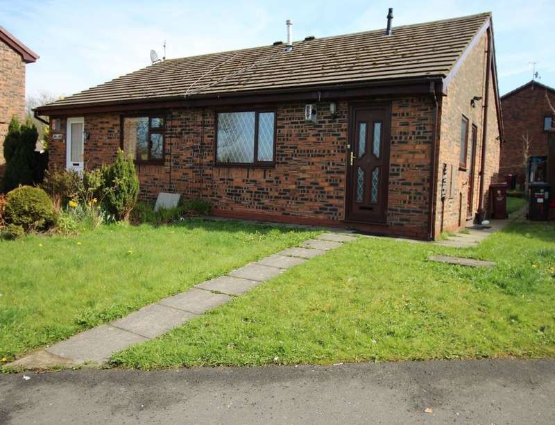 2 Bedrooms Semi Detached Bungalow for sale in Stanhope Street, Darwen, BB3