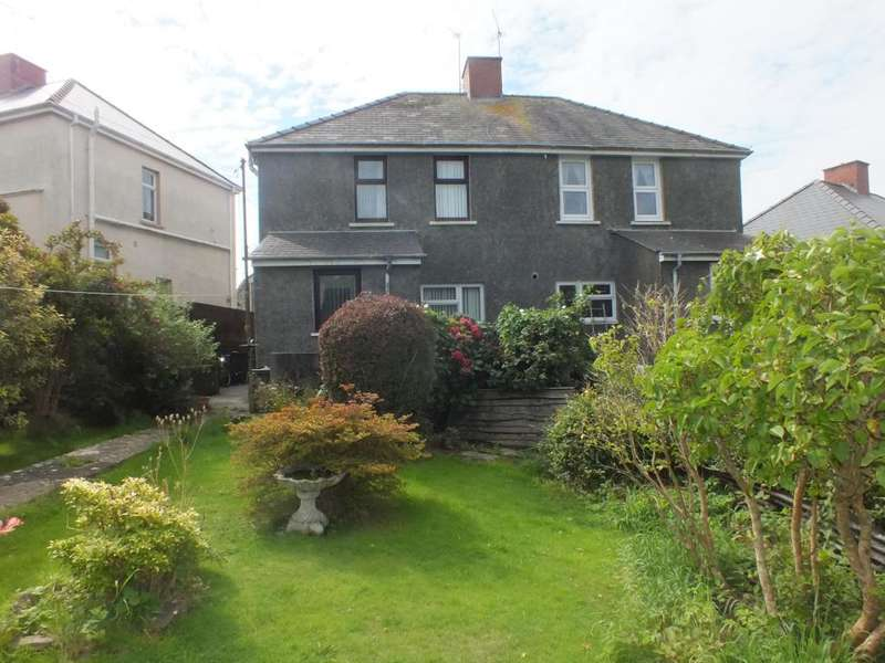 3 Bedrooms Semi Detached House for sale in Precelly Place, Milford Haven, Pembrokeshire