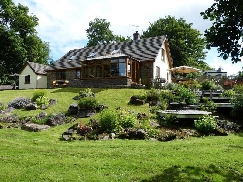 6 Bedrooms Detached Bungalow for sale in Meander, Llanfallteg, Whitland, Carmarthenshire