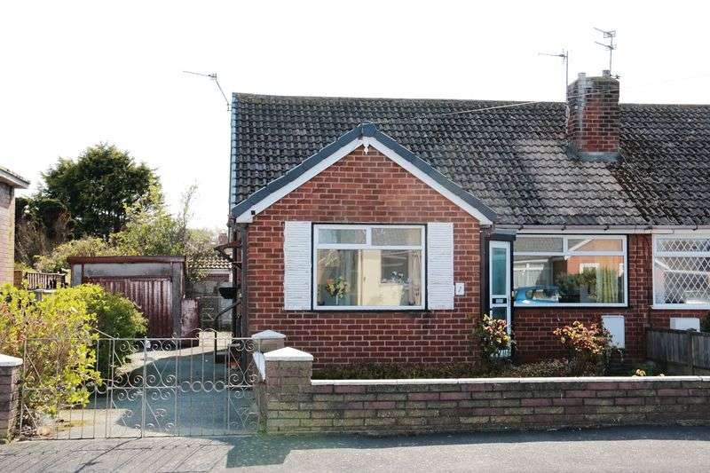 2 Bedrooms Detached Bungalow for sale in 1 Rydal Grove, Knott End-On-Sea Lancs FY6 0DS