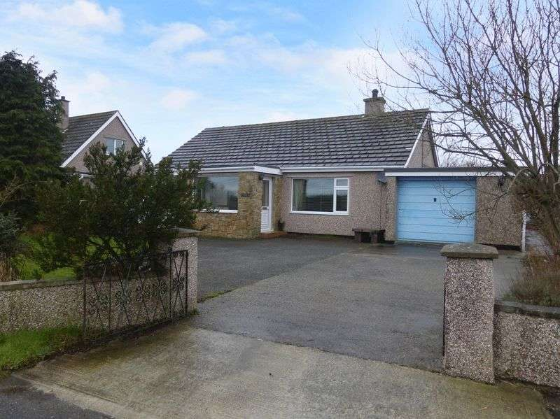 3 Bedrooms Detached Bungalow for sale in Llangristiolus