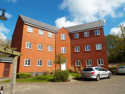 2 Bedrooms Flat for sale in Knole Close, Swindon, Wiltshire
