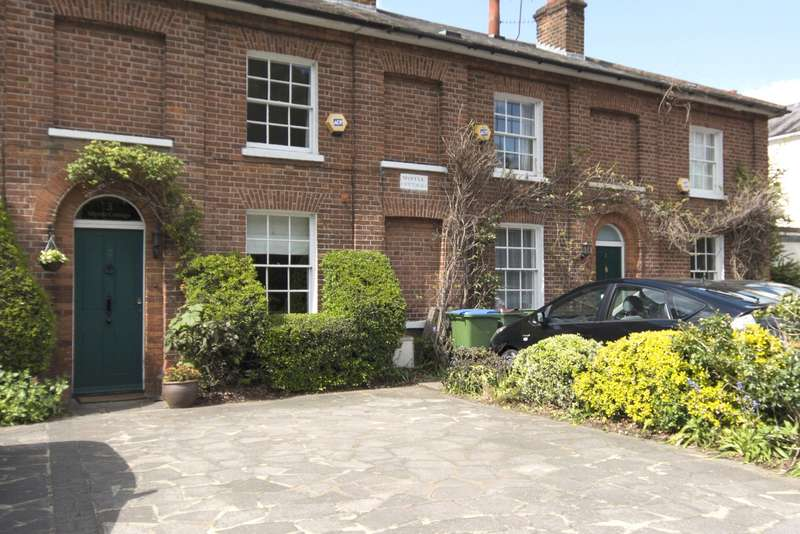 3 Bedrooms Terraced House for sale in Myrtle Cottage, Portsmouth Road, Esher, Surrey, KT10