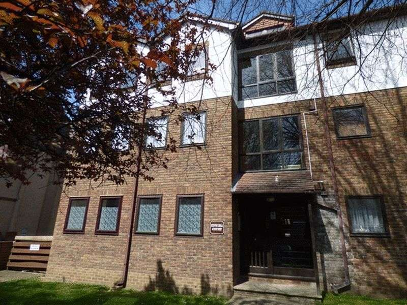 Flat for sale in Burnell Road, SUTTON, Surrey