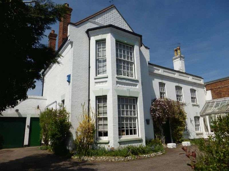 5 Bedrooms Detached House for sale in Gorleston-on-Sea