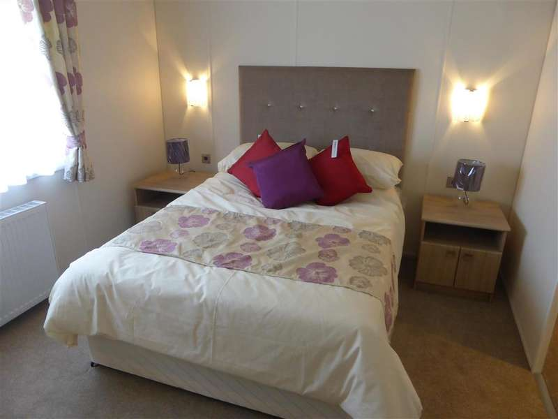 2 Bedrooms Park Home Mobile Home for sale in Alberta Holiday Park, Seasalter, Whitstable, Kent