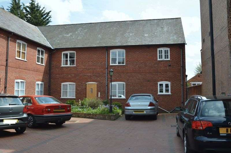 1 Bedroom Flat for sale in Chester Street, Mold