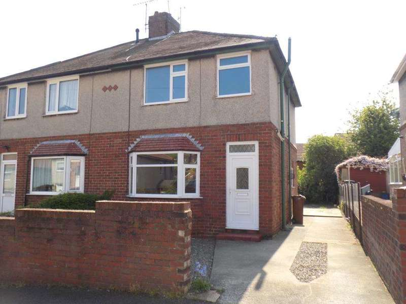 3 Bedrooms Semi Detached House for sale in Wern Avenue, Bagillt, Flintshire, CH6 6BY.
