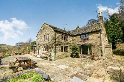 4 Bedrooms Detached House for sale in Chapel Road, Hayfield, High Peak, Derbyshire