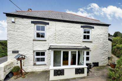 2 Bedrooms Semi Detached House for sale in Truro, Cornwall